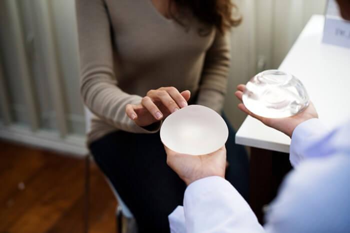 breast-augmentation-silicone-saline